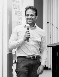 Dinesh De Silva speaking at one of NetStripes Bootcamps.